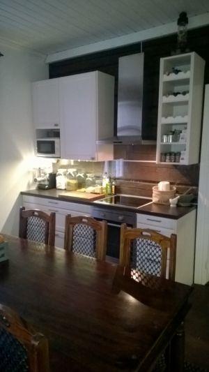 Furu / Mänty / Pine + Laminat / Laminaatti / Laminate + AEG